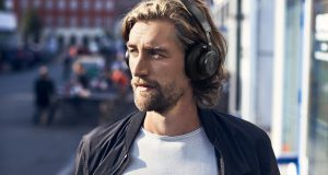 BeoPlay H)