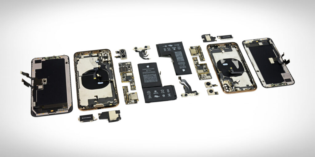 iFixit iPhone XS