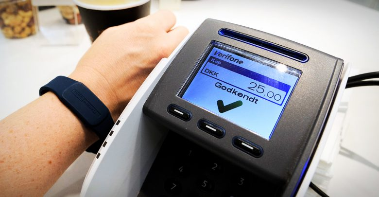 Photo of Danske Bank laver MobilePay-alternativ til wearables
