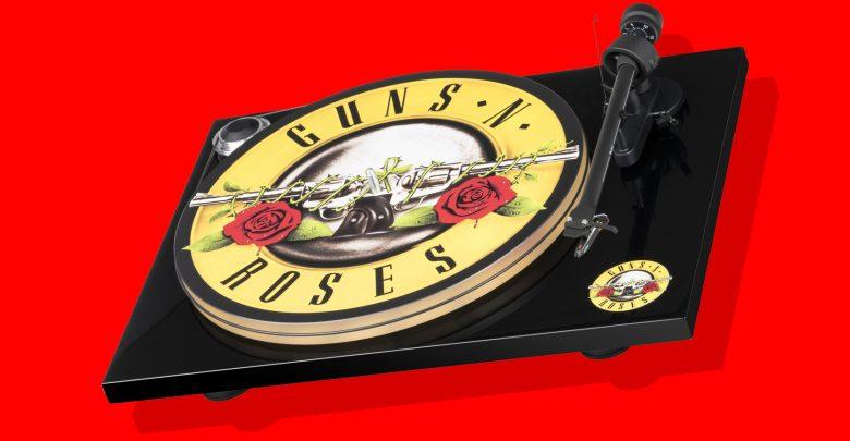 Photo of Tag til Paradise City med den nye Guns N' Roses pladespiller fra Pro-ject