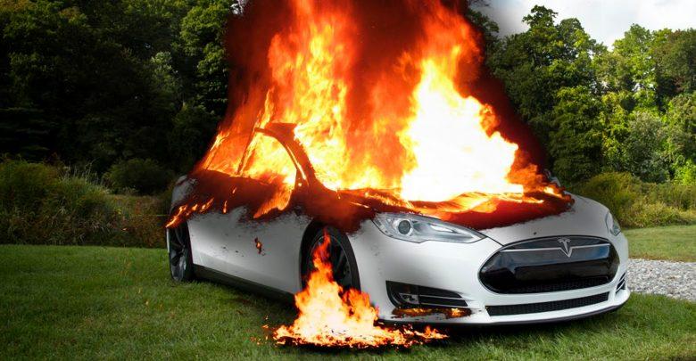 Photo of Batteri-brande får Tesla til at haste-opdatere sine biler