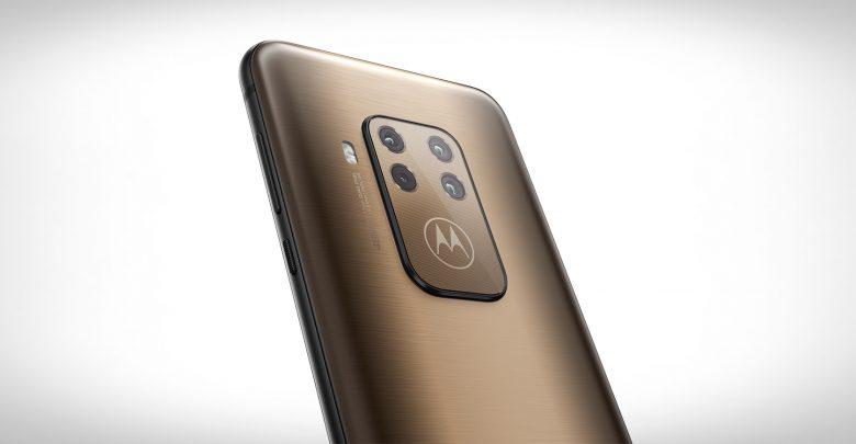 Photo of Ny Motorola One Zoom har fire kameraer – og koster kun 2.999 kr.