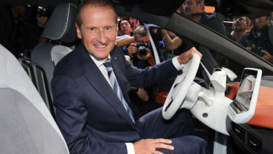 Photo of Volkswagen-boss: Tesla giver mig hovedpine