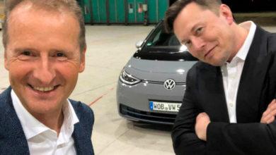 Photo of Se Elon Musk prøvekøre Volkswagen ID.3