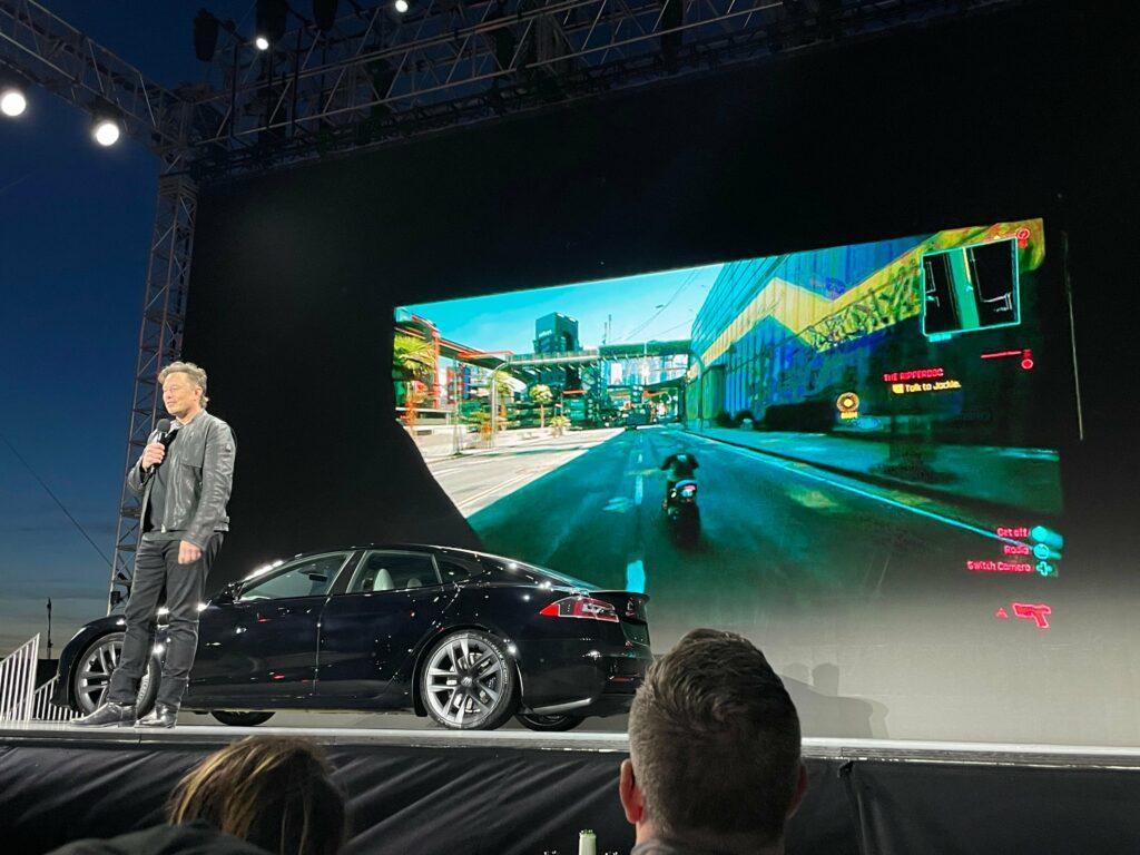 Tesla demonstrerer Cyberpunk 2077 i den nye Model S